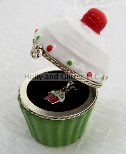 Holiday Green Christmas Cupcake Trinket Box & Necklace Set