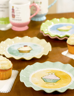 Cupcake Ruffle Dessert Plates, Set of 4